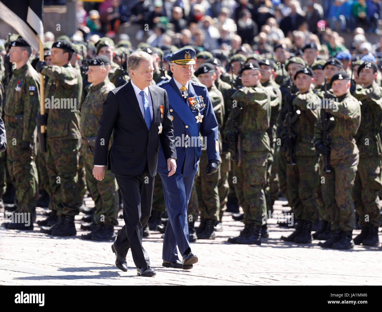 Helsinki, Finland. 4th June, 2017. President Sauli Niinistö and Chief of Defence, General Jarmo Lindberg, inspecting - Stock Image