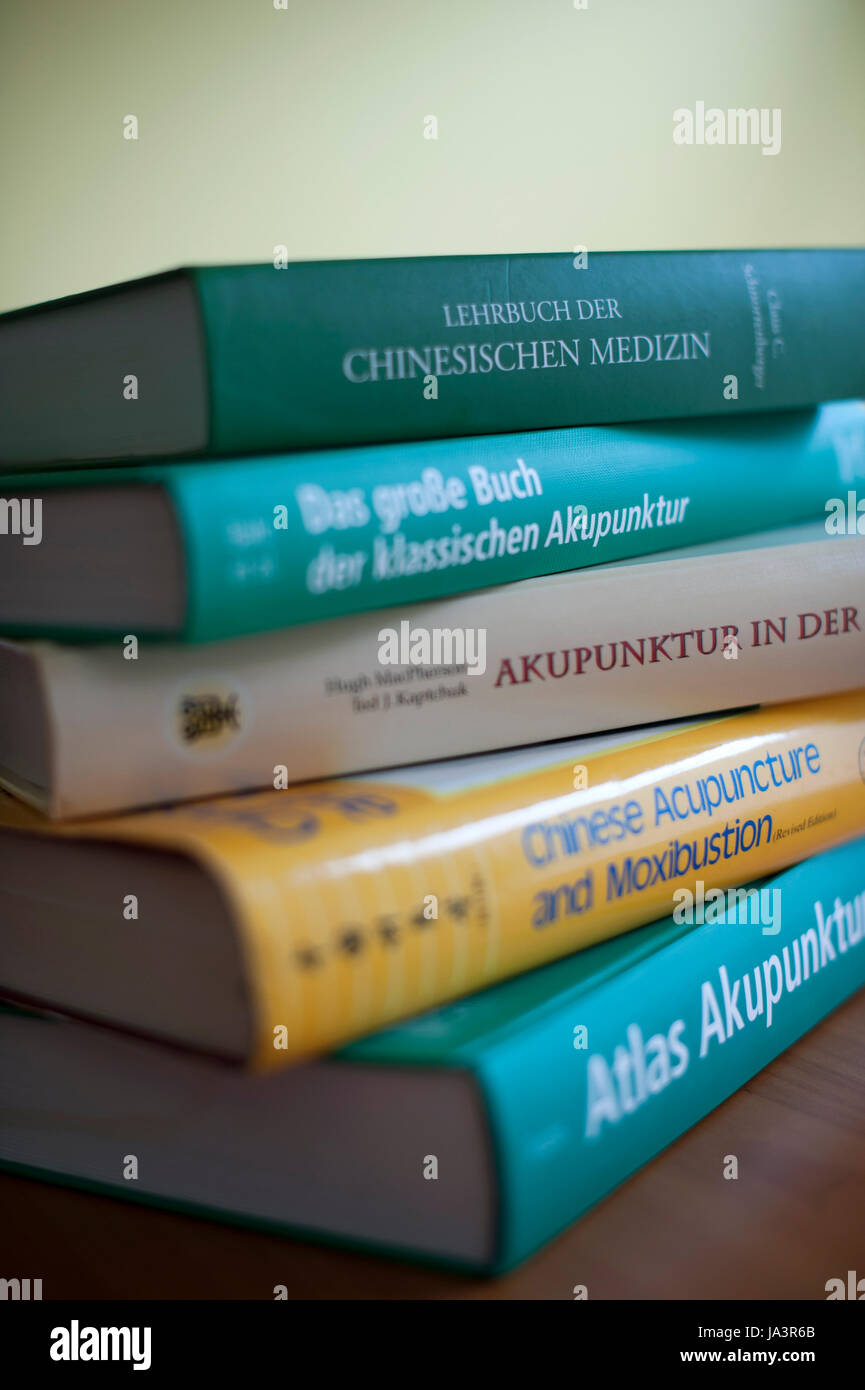 Books on acupuncture and Chinese medicine. - Stock Image