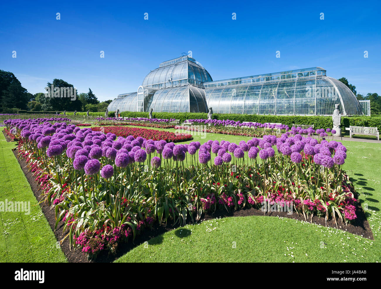 The Palm house, Kew Gardens. - Stock Image