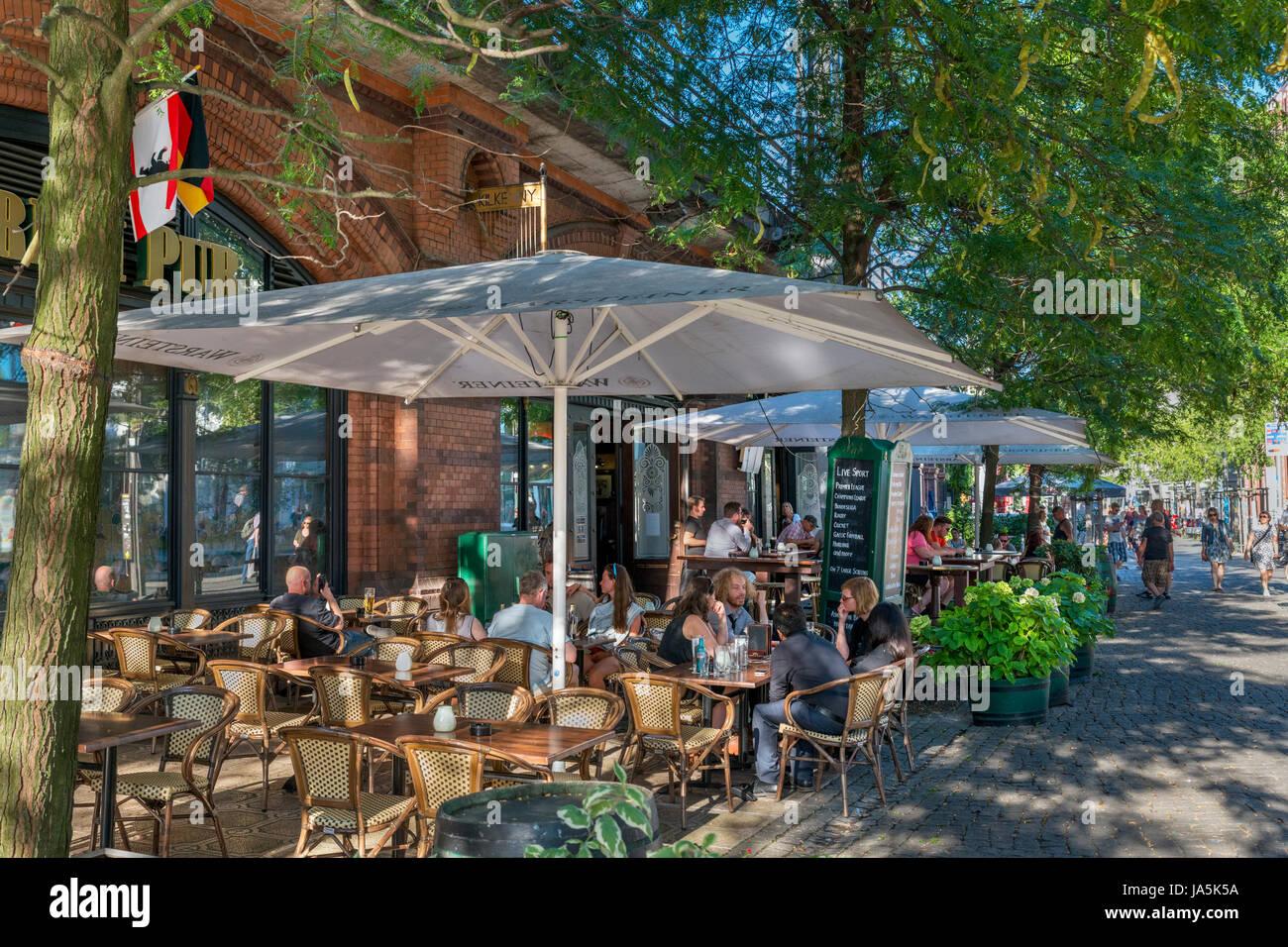 Irish pub at Hackescher Markt, Mitte district, Berlin, Germany - Stock Image