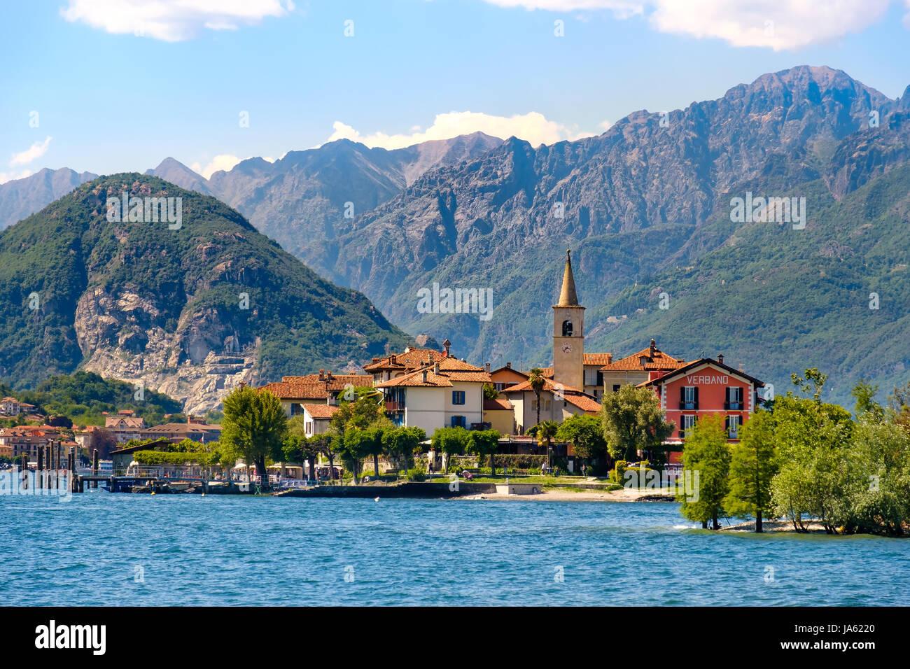 Isola dei Pescatori (Fishermen's Island) on Lake Maggiore, Stresa village, Piedmont region, Italy - Stock Image