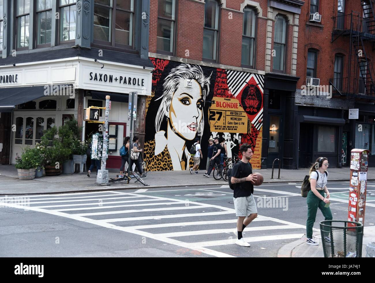 New York, USA. 24th Aug, 2017. Street Art out and about for Shepard Fairey Unveiled New Mural of Blondie's Debbie Harry, across from the old CBGB's at Bowery and Bleecker, New York, NY August 24, 2017. Credit: Everett Collection Inc/Alamy Live News Stock Photo