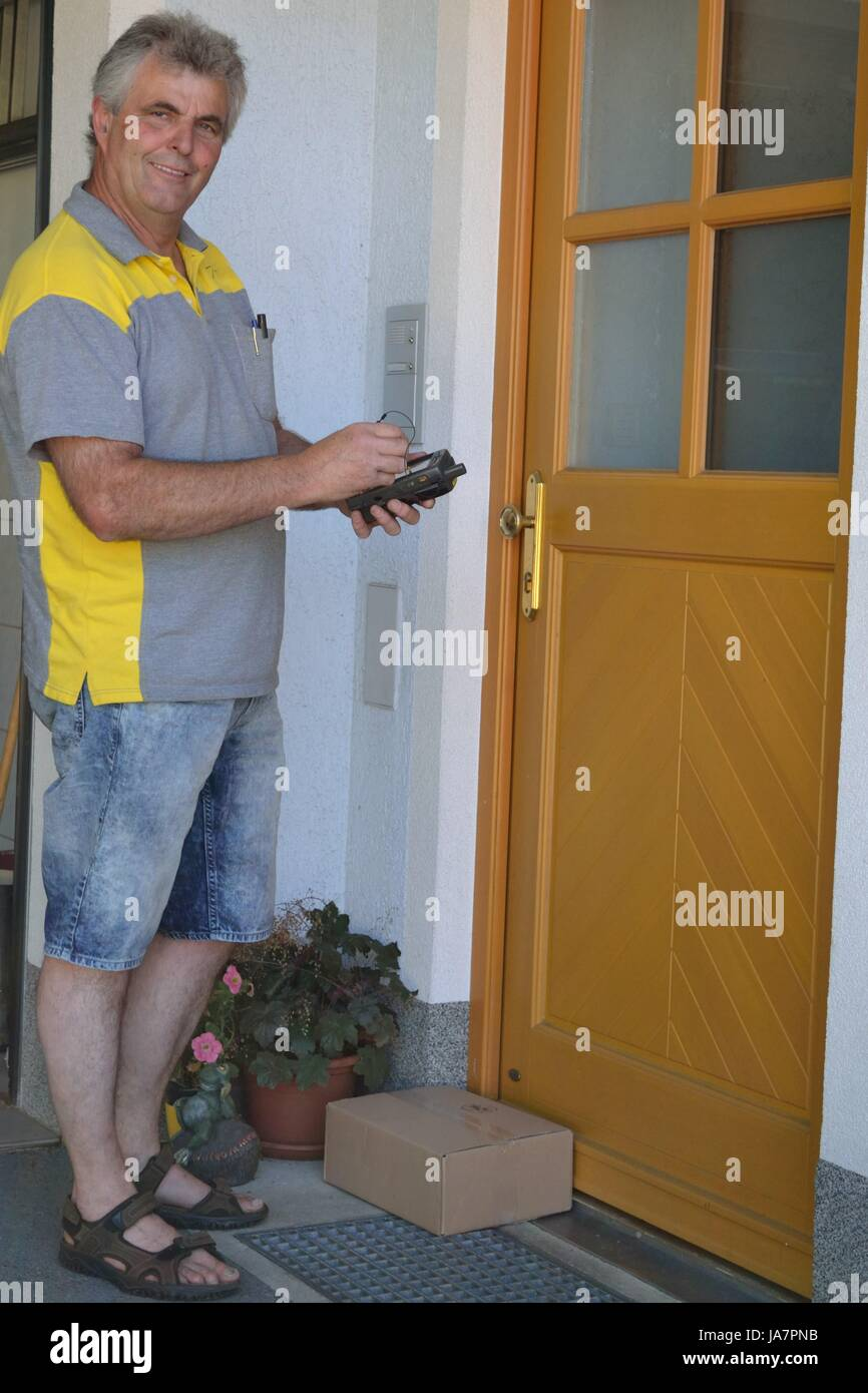 mail, postman, mailman, post, package, packet, parcel, laugh, laughs, laughing, Stock Photo