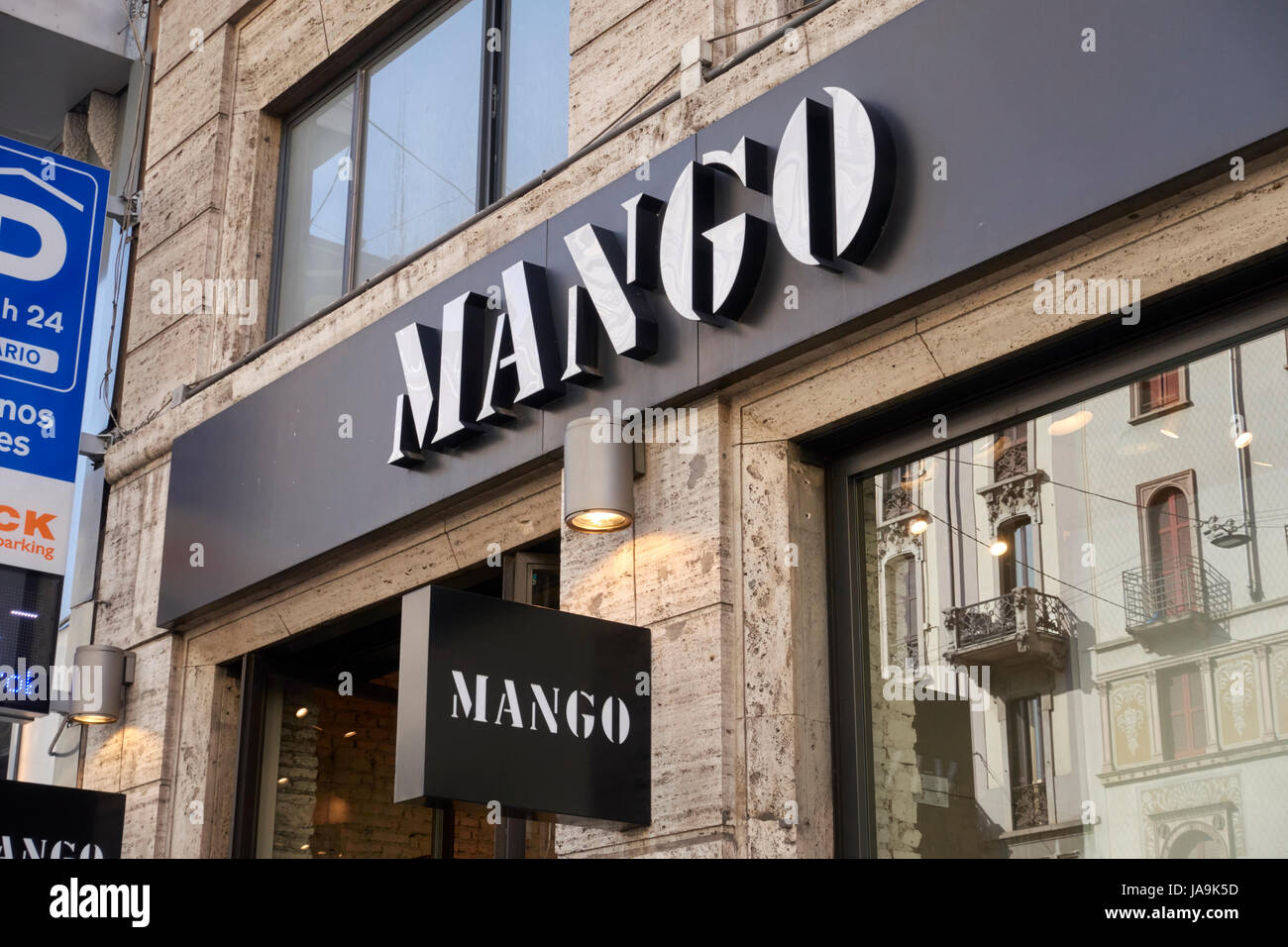 Mango brand store in Milano, Italy Stock Photo: 144042121 - Alamy