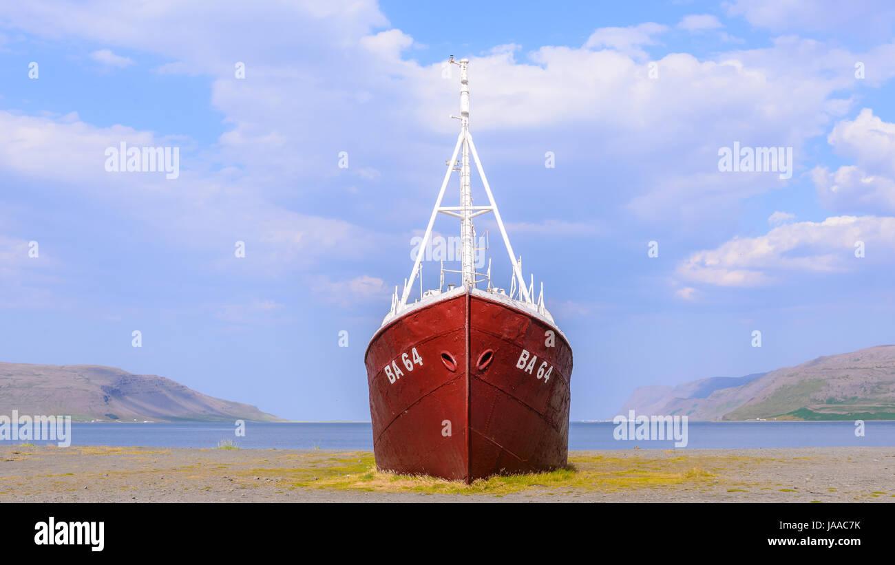 Stranded ship - Stock Image