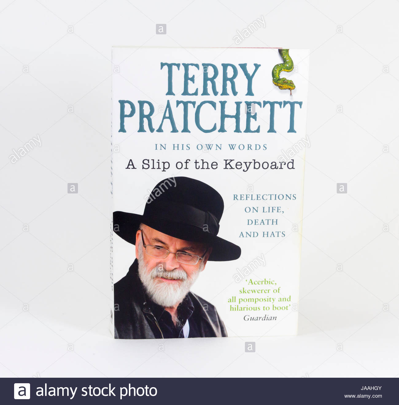 Softback book cover of 'A Slip of the Keyboard ', the biographical collected writings of Terry Pratchett, - Stock Image