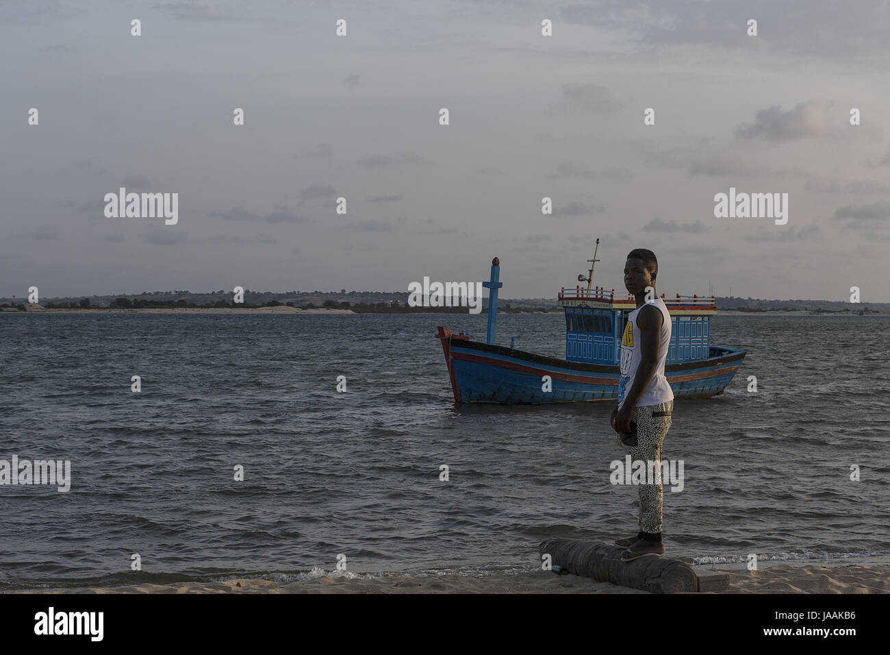 MUSSULO/ANGOLA-14 DEC 2014 - Young african fisherman on the tropical island of the mussulo. Angola - Stock Image