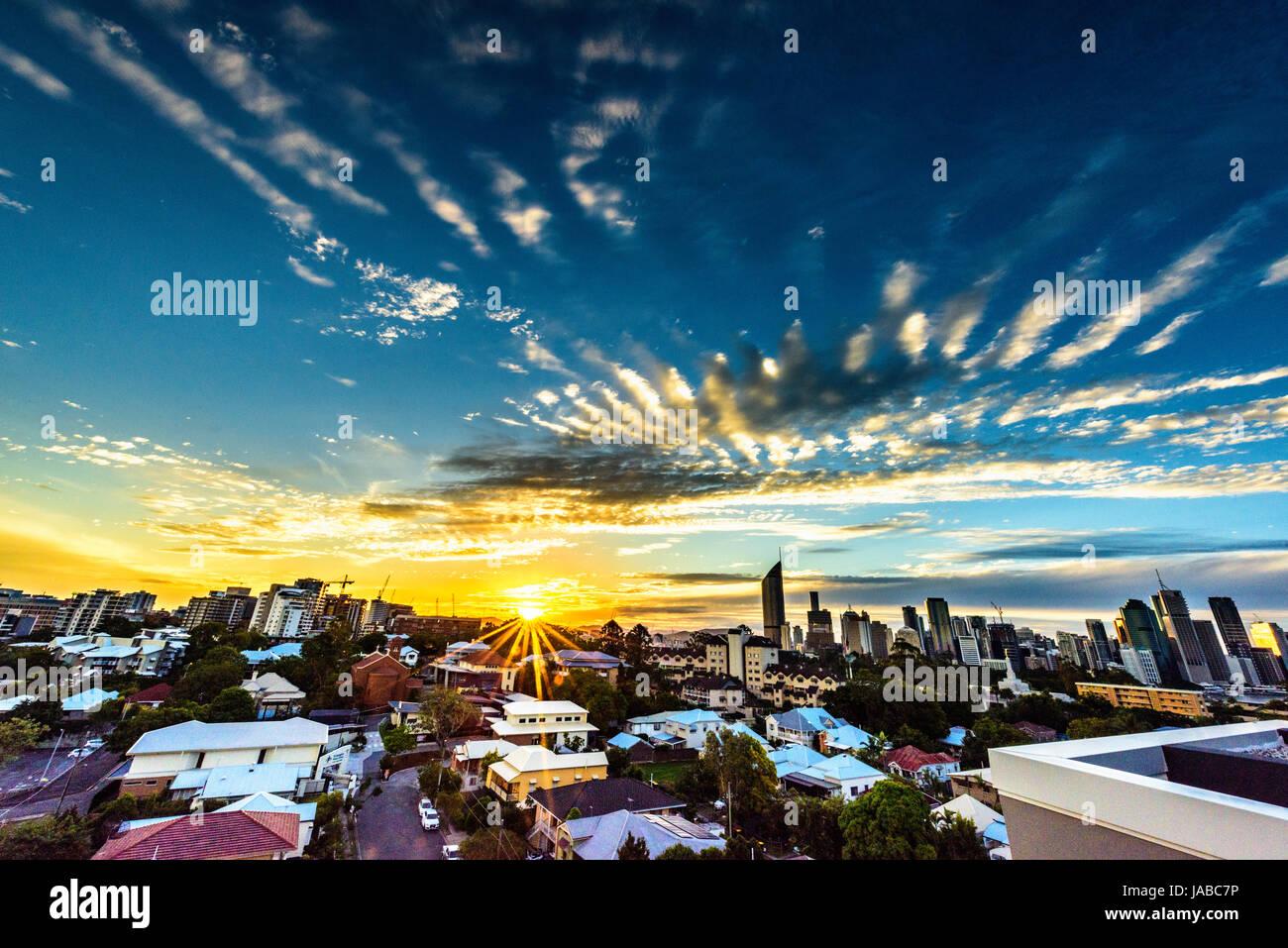 Brisbane City skyline at sunset - Stock Image