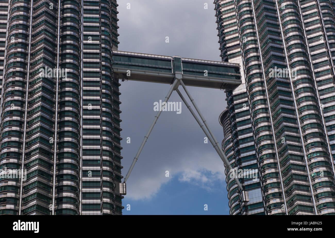 Petronas Twin Towers and skybridge, Kuala Lumpur, Malaysia - Stock Image