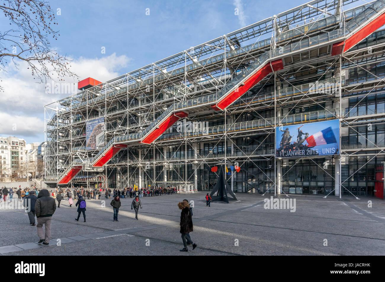Centre Pompidou, Centre national d'art et de culture Georges Pompidou, Beaubourg,  high-tech or brutalist architecture Stock Photo