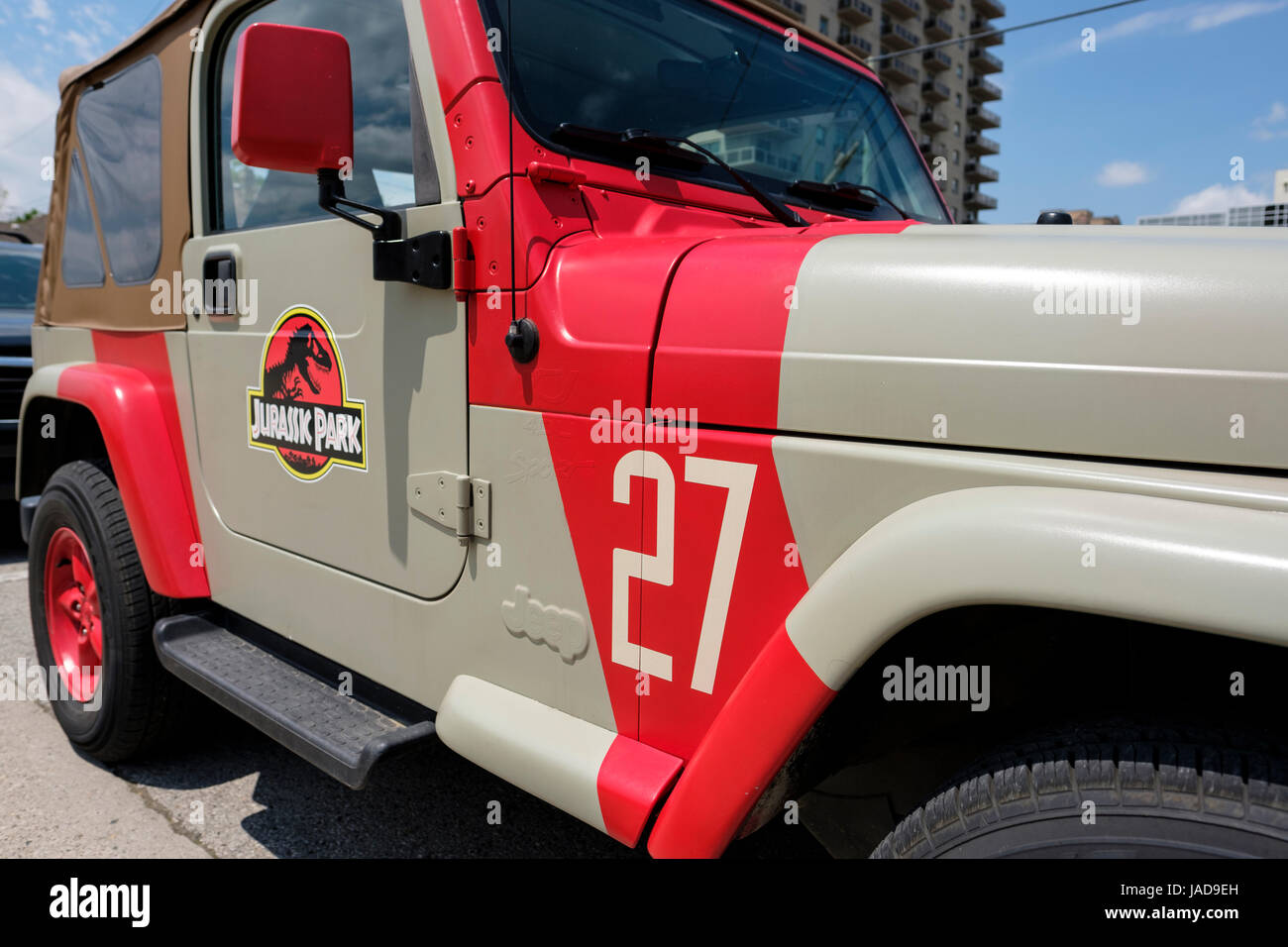 Wonderful Custom painted Jurassic Park Jeep, Jurassic Park logo, 4x4 vehicle  SU84