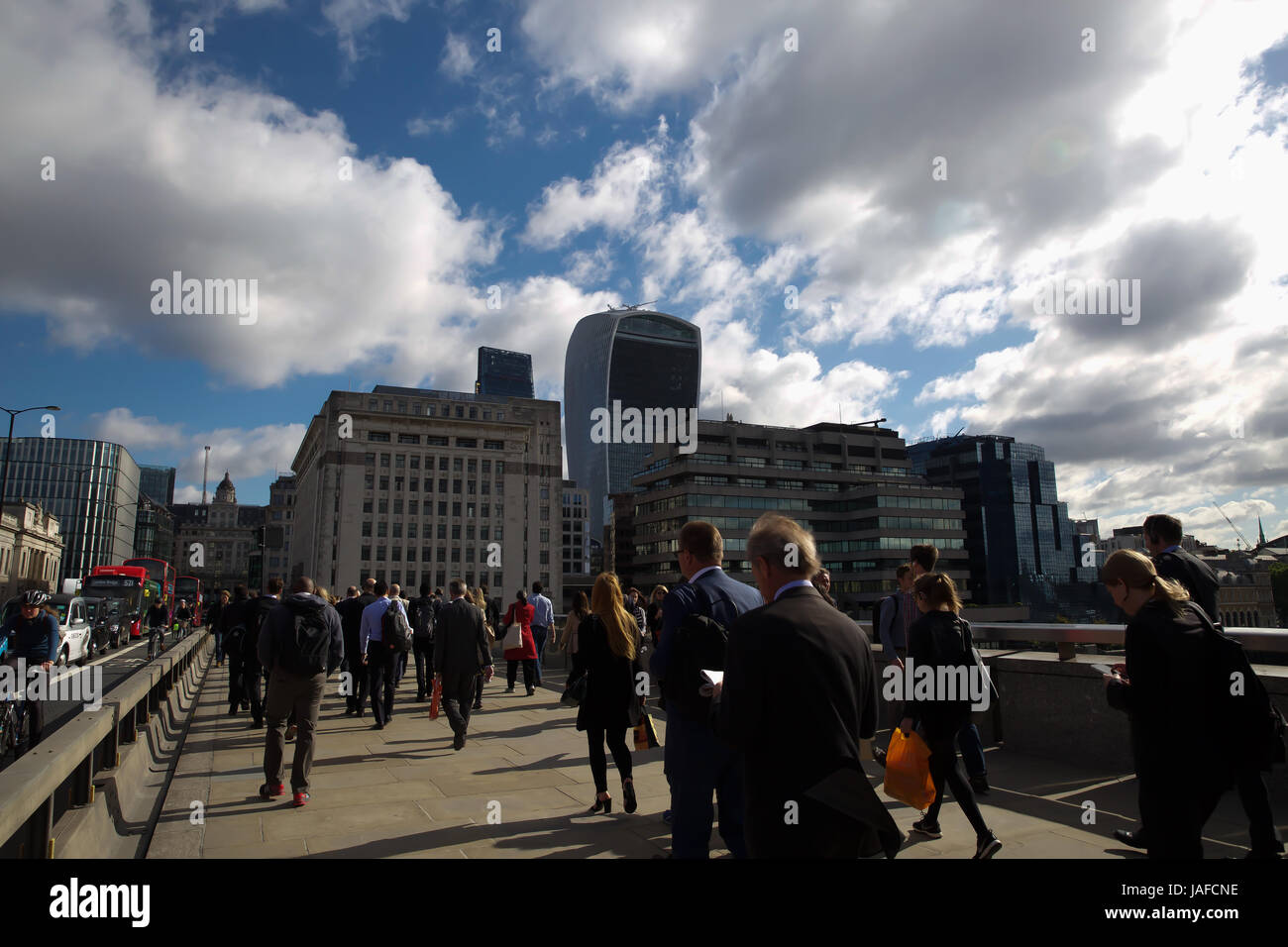 London,UK,7th June 2017,Blue skies and windy in London©Keith Larby/Alamy Live News - Stock Image