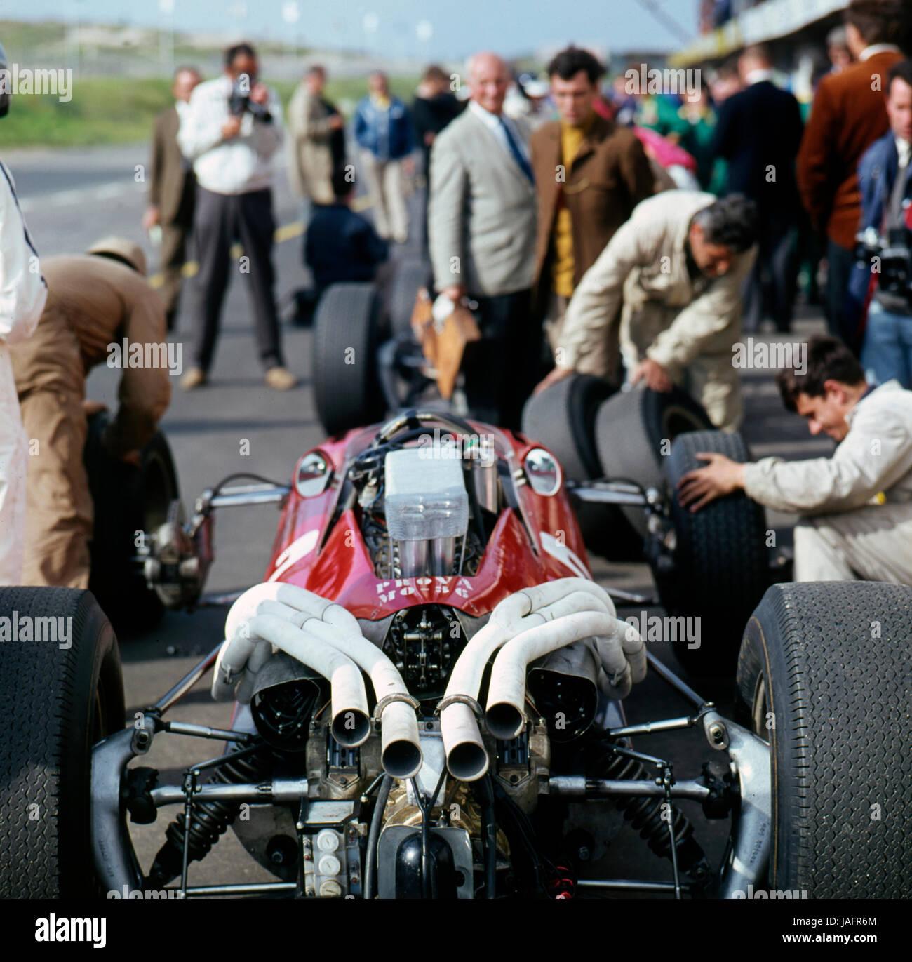 2006 Ferrari F430 Interior: Ferrari Engine Stock Photos & Ferrari Engine Stock Images