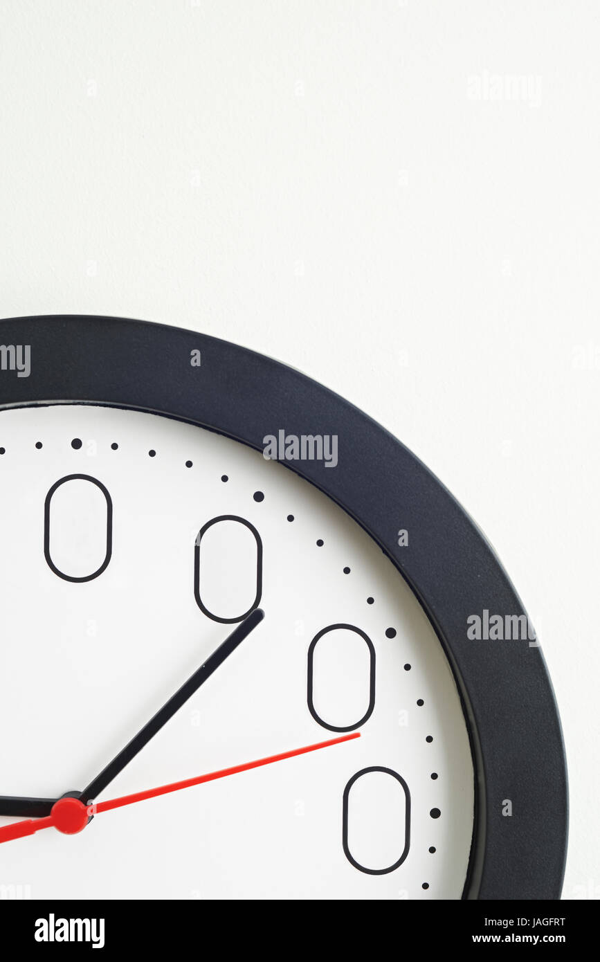 Clock Face To Illustrate Concept Of Zero Hour Employment Contracts - Stock Image