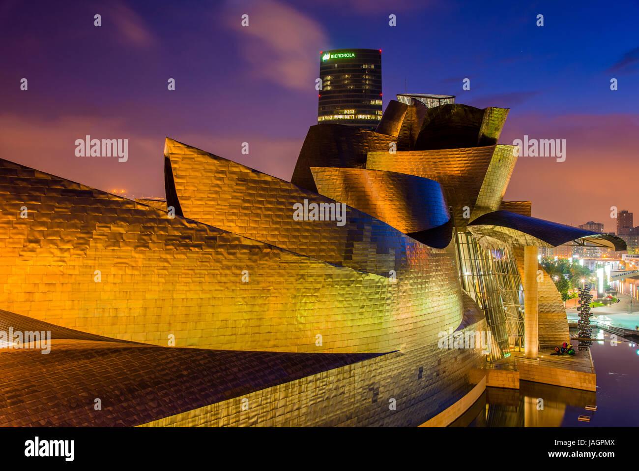 Guggenheim Museum by night, Bilbao, Basque Country, Spain - Stock Image