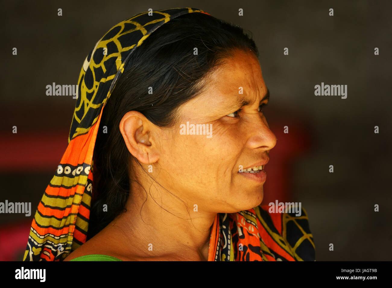 Bengali Woman Stock Photos & Bengali Woman Stock Images - Alamy