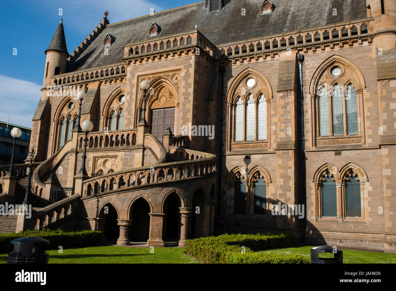 The McManus Galleries in the city's Albert Square.Situated on the north bank of Firth of Tay Dundee is the fourth - Stock Image