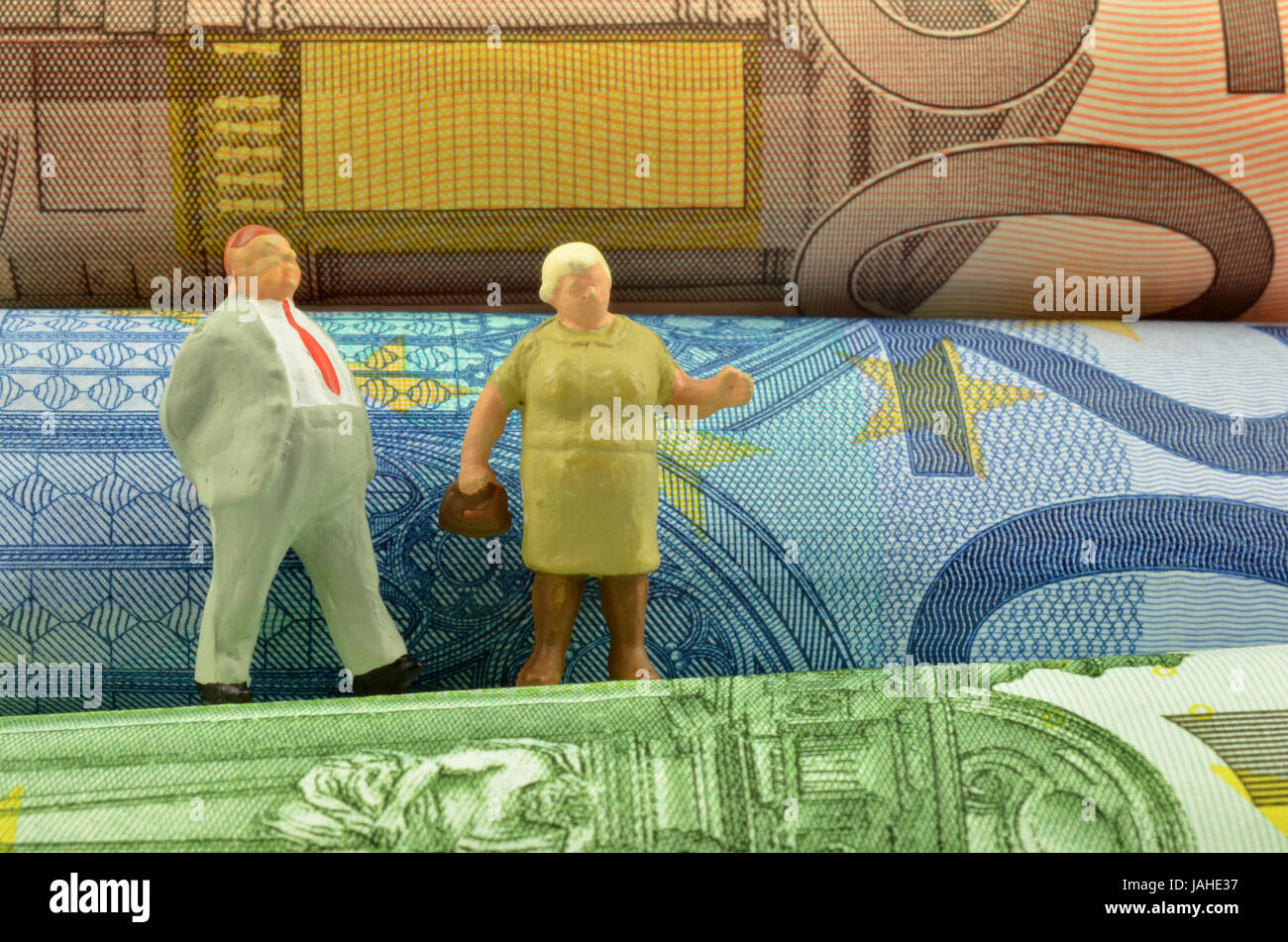retired couple and money - Stock Image