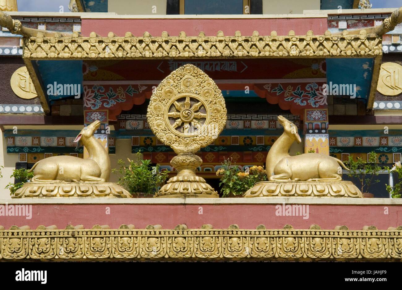 Buddhist icons deer and Dharma Chakra at Namdroling Monastery in Bylakuppe, near Kushalnagar, Mysore District, Karnataka, Stock Photo