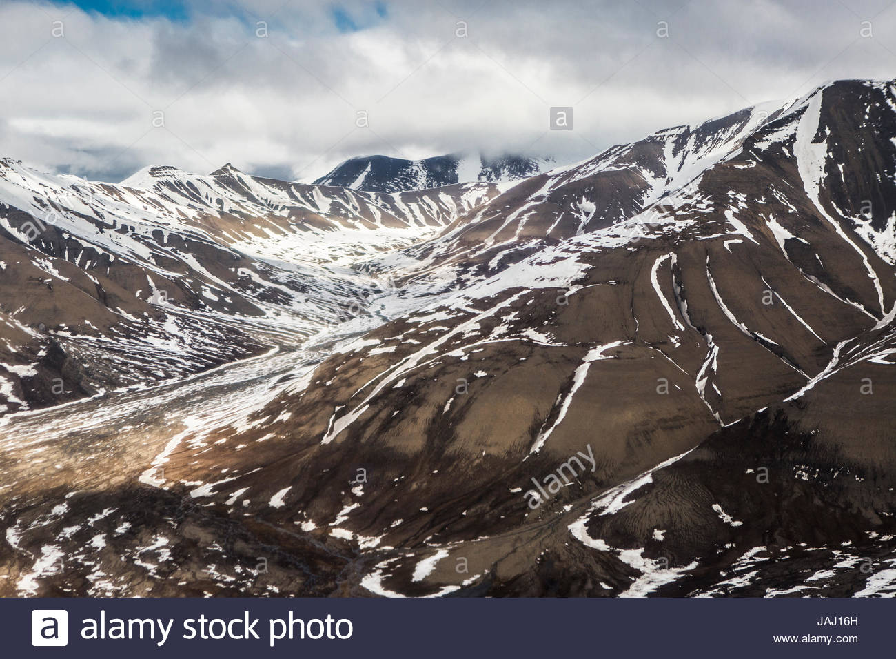 The mountains of Spitsbergen, near the town of Longyearbyen. - Stock Image