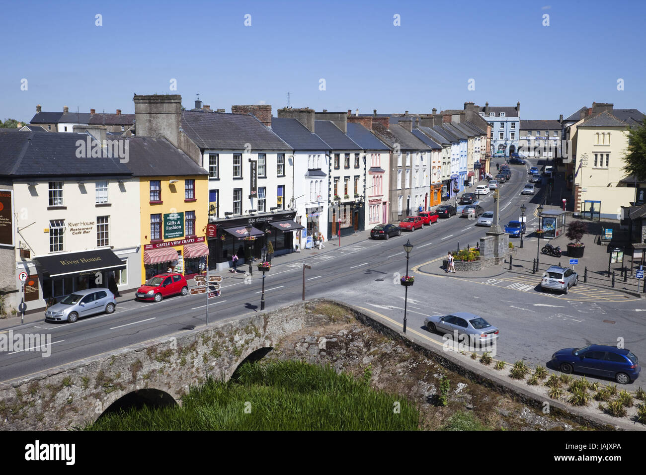 Hotels in Cahir. Book your hotel now! - potteriespowertransmission.co.uk