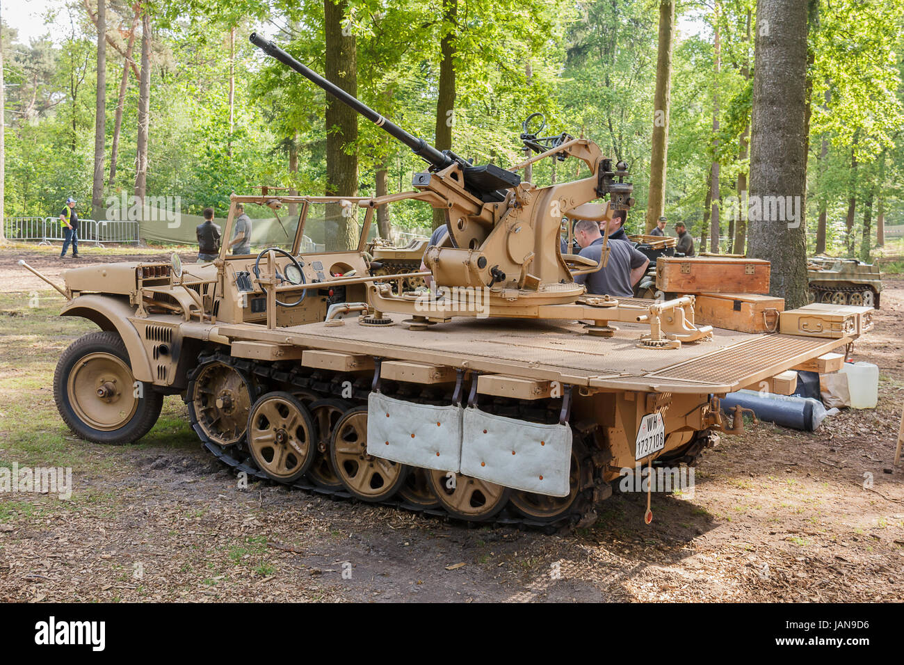 Demag Sd.Kfz. 10 with flak 38 at Militracks event - Stock Image