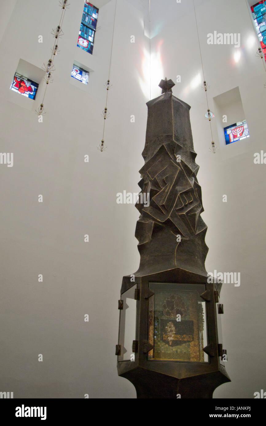 BRD, Nordrhein-Westfalen, Hochsauerlandkreis, Meschede, Kirche der Benediktiner-Abtei Königsmünster, Architekt - Stock Image