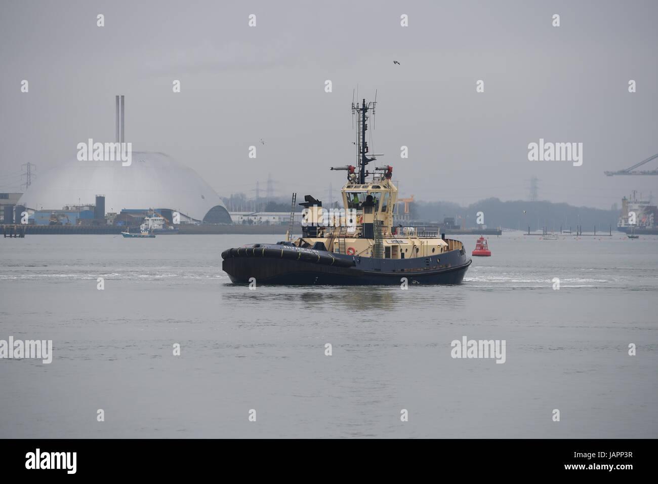 Tug Boat Svitzer Alma operating in Southampton Docks - Stock Image