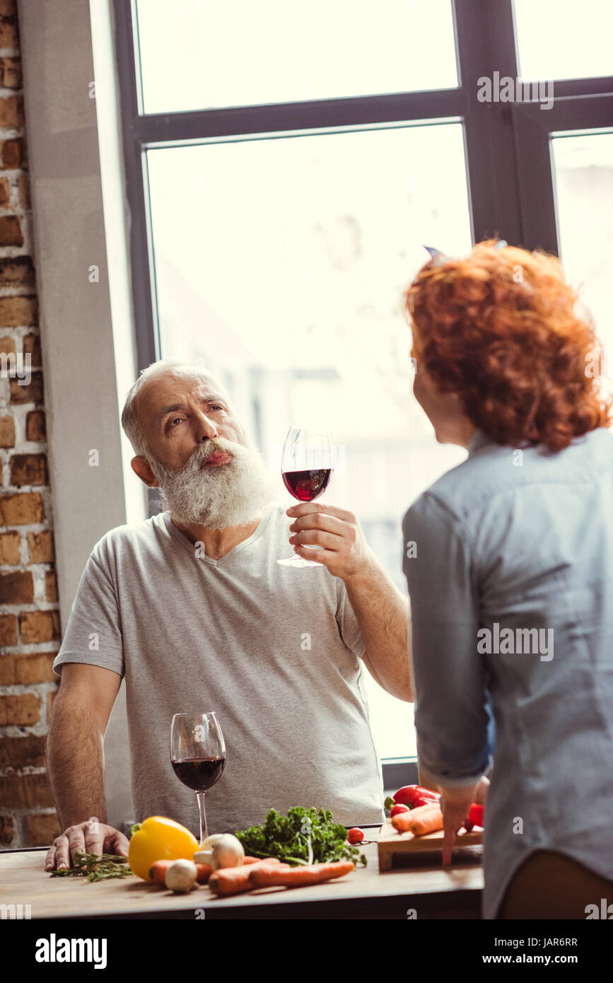 Man trying red wine - Stock Image