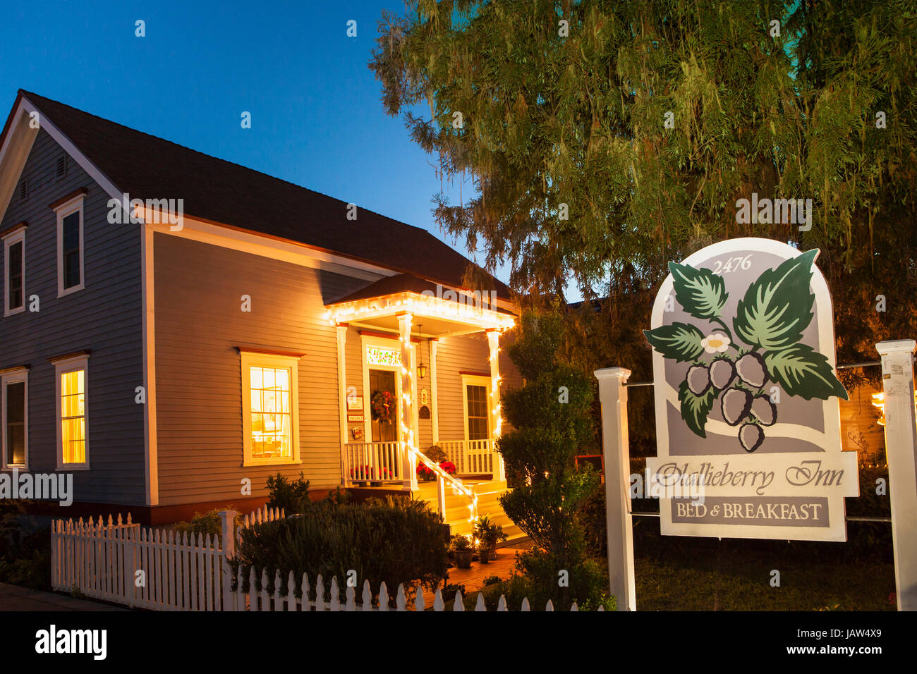 Olallieberry Inn Bed And Breakfast Cambria California