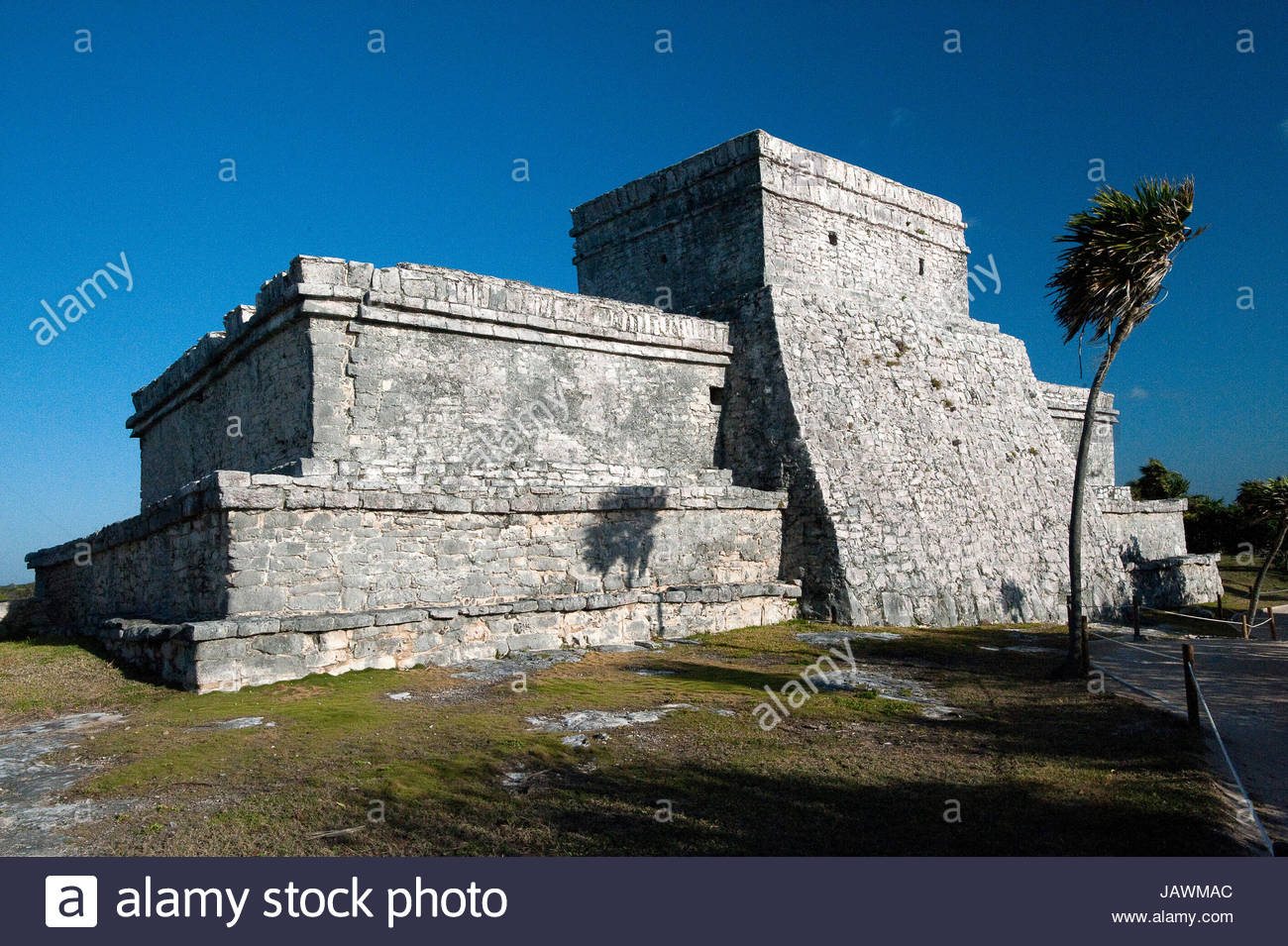 The Castillo at the Tulum ruins. - Stock Image