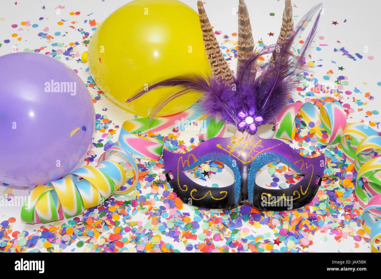 Konfetti Luftschlangen Karneval Fasching Fastnacht Maske Stock