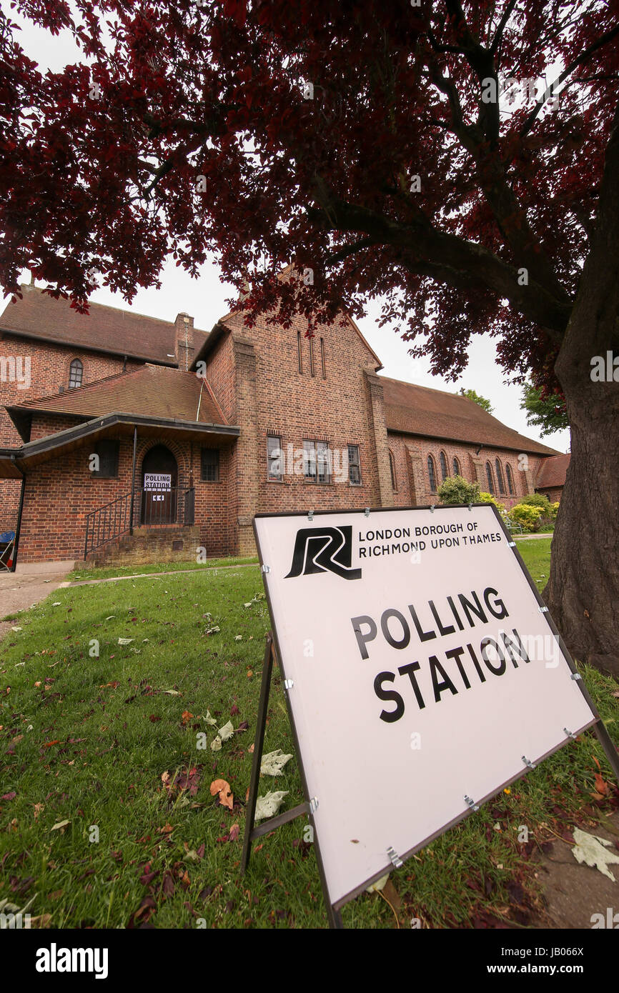 London, UK. 08th June, 2016. Polling Station, Richmond Park and North Kingston Constituency. Credit: Expo Photo/Alamy - Stock Image