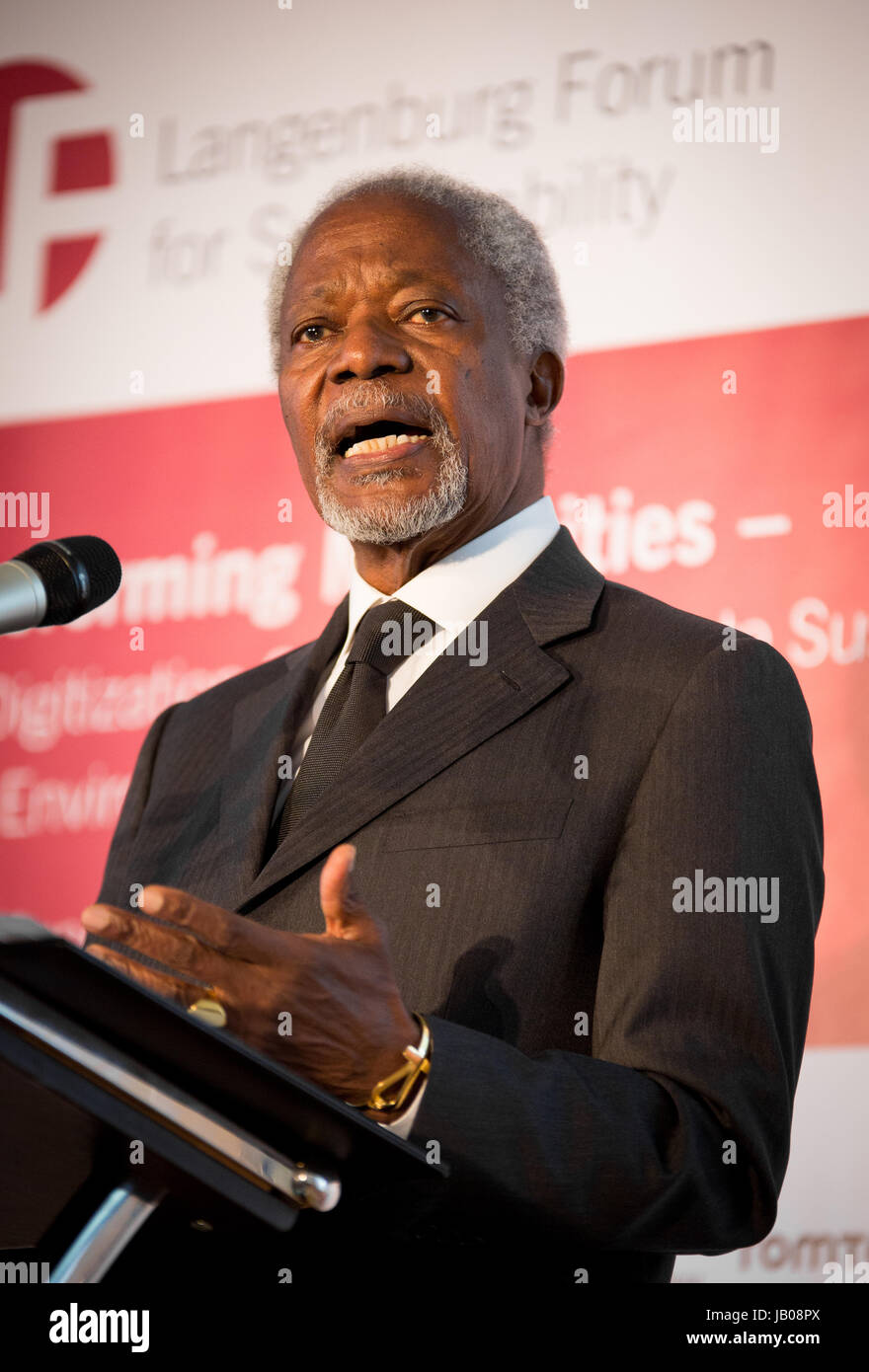 Kofi Annan, former secretary general of the United Nations, giving a speech at the  Langenburg Forum for Sustainability - Stock Image