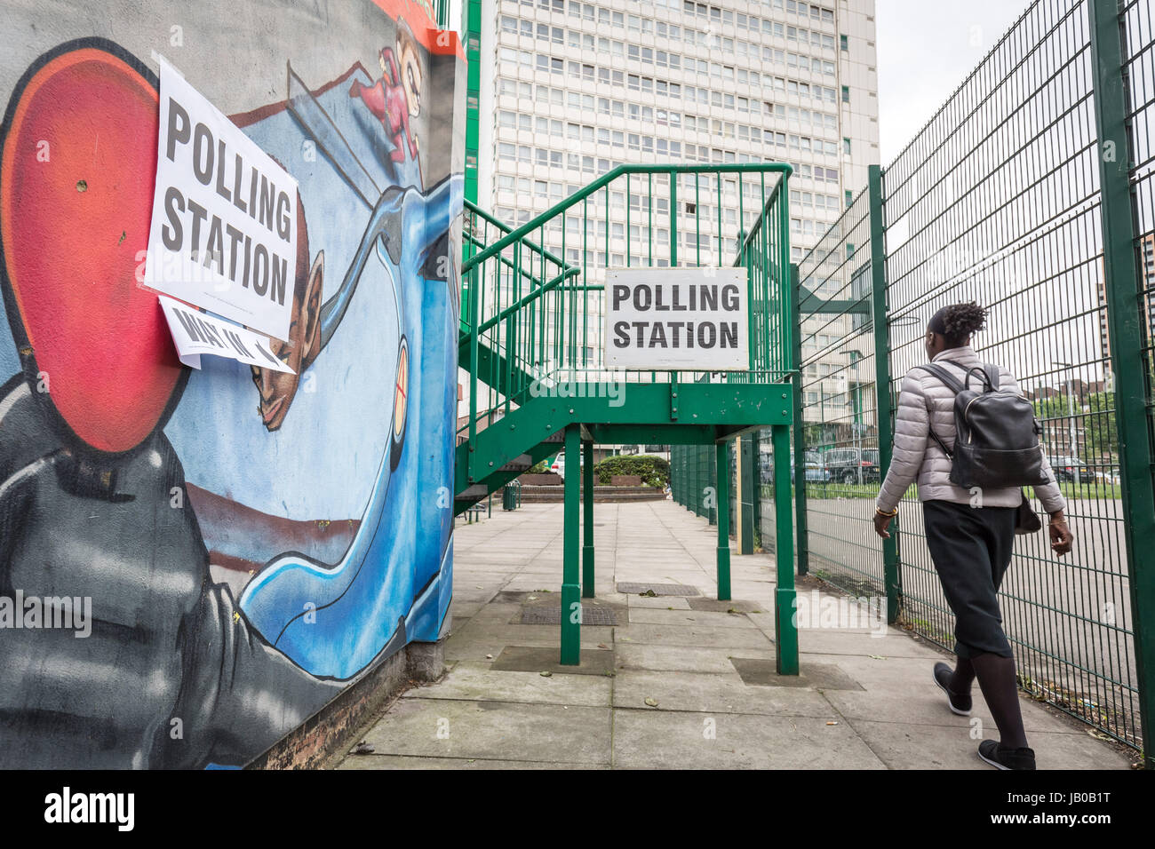 London, UK. 8th June, 2017. Riverside Youth Club polling station in Deptford. General Election Polling Day in South - Stock Image