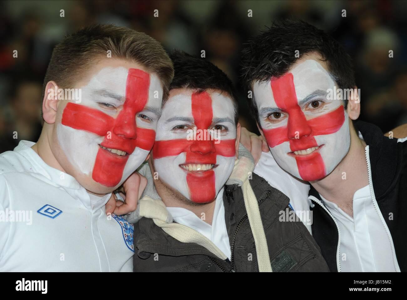 ENGLAND FANS WITH PAINTED FACE ENGLAND V HOLLAND WEMBLEY STADIUM LONDON ENGLAND 29 February 2012 - Stock Image