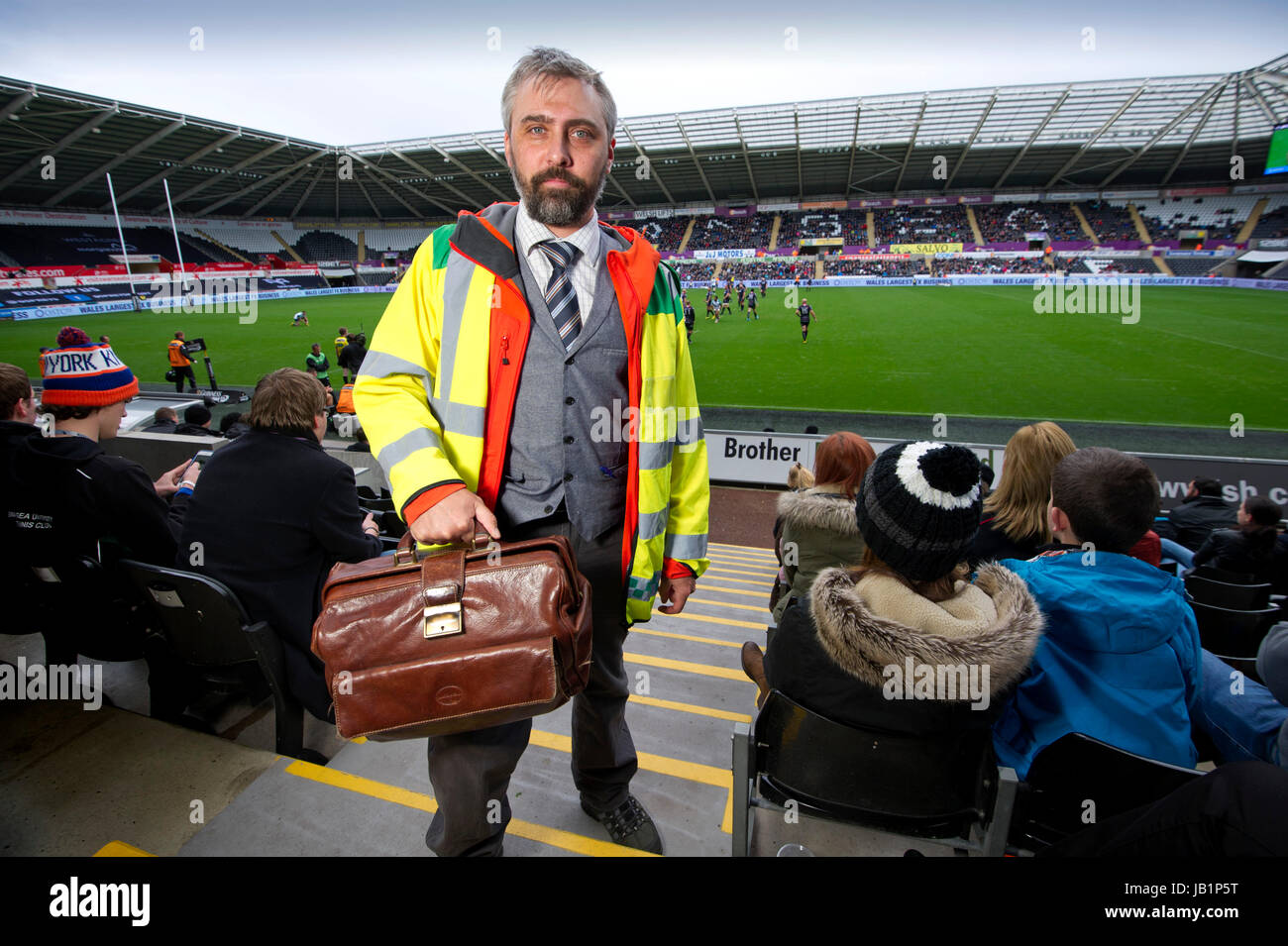 Sports Doctor Stock Photos Sports Doctor Stock Images Alamy