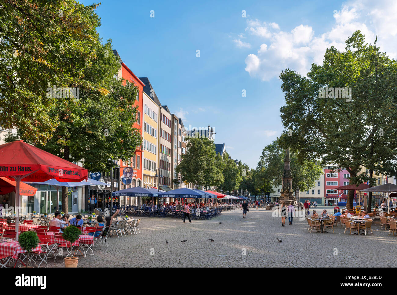 Cafes in the Alter Markt (Old Market Square), Altstadt, Cologne, Germany - Stock Image