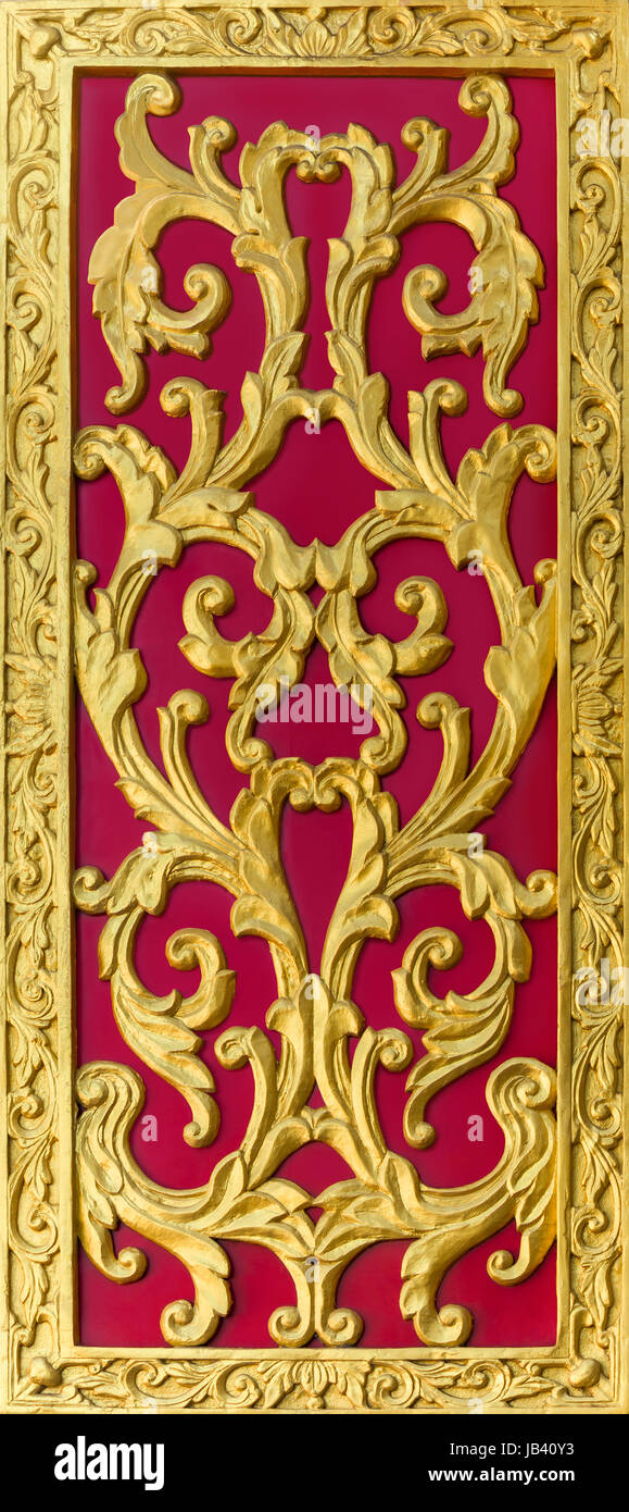Golden thai art carving on red background  sc 1 st  Alamy & Golden thai art carving on red background Stock Photo: 144532727 - Alamy