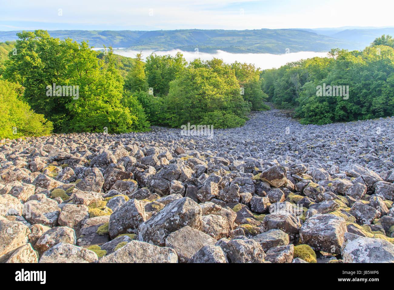 France, Aveyron (12), Lassouts, clapas de Thubiès, ébouli rocheux remarquable de basalte improprement - Stock Image