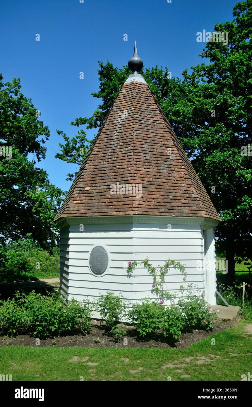 Gazebo in Sissinghurst Gardens - Stock Image