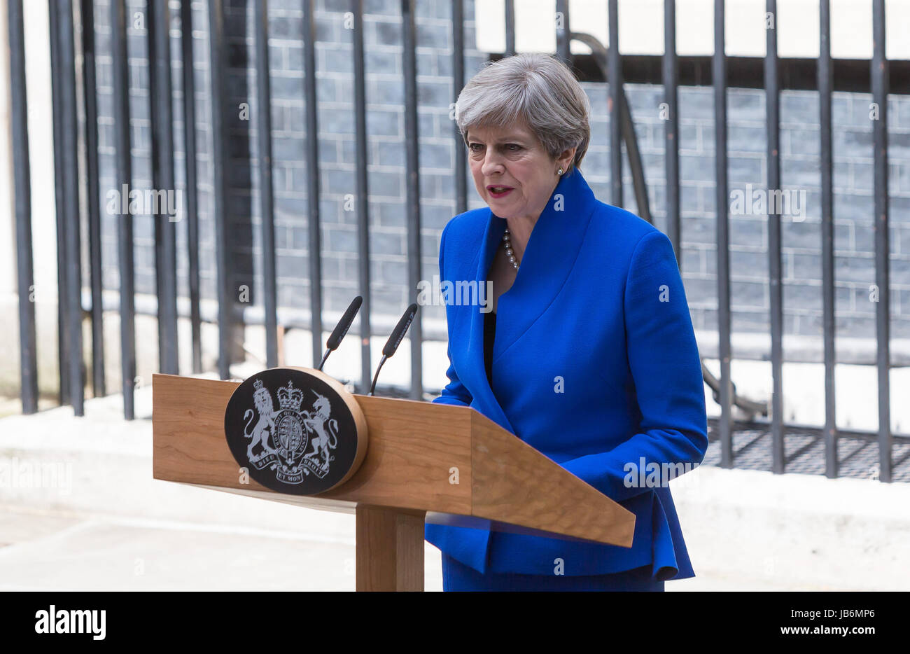 London, UK. 9th June, 2017. British Prime Minister Theresa May gives a speech at 10 Downing Street after meeting - Stock Image