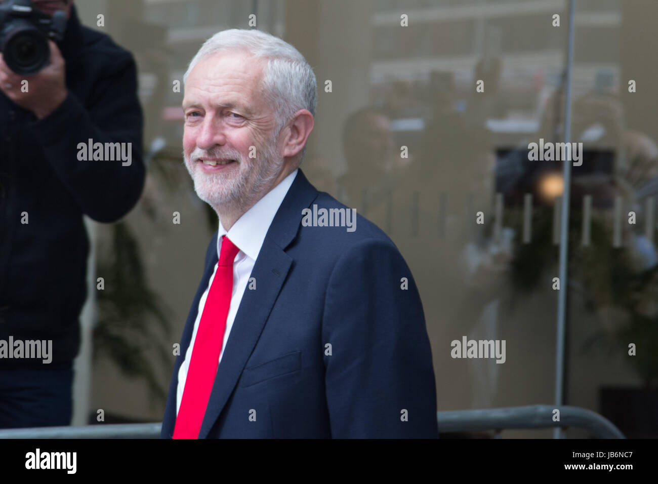 London, UK. 9th June, 2017. Labour Leader Jeremy Corbyn leaves Labour Headquarters on June 9, 2017 in London, England. - Stock Image