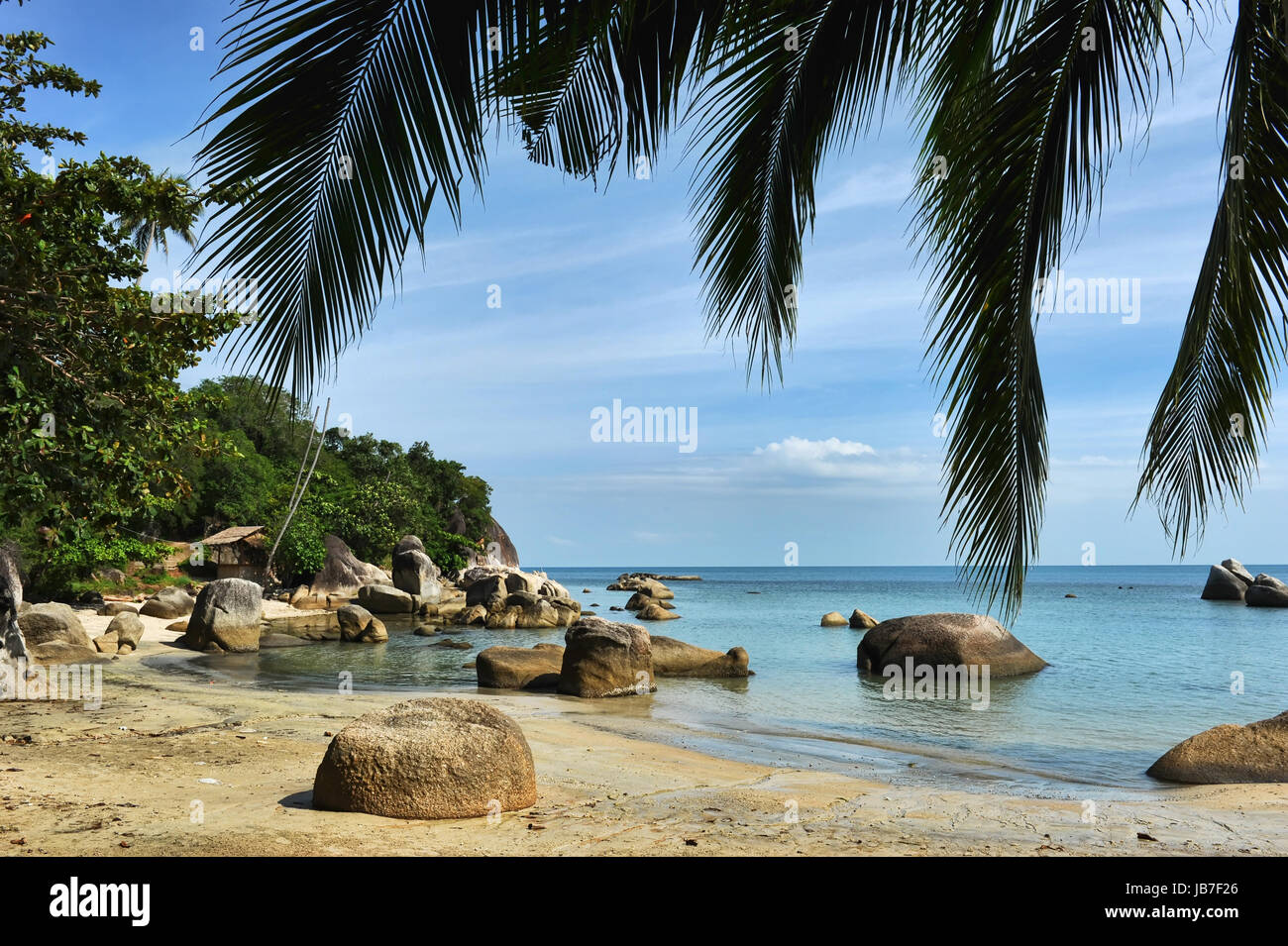 Lamai beach with turquoise water and blue sky - Stock Image