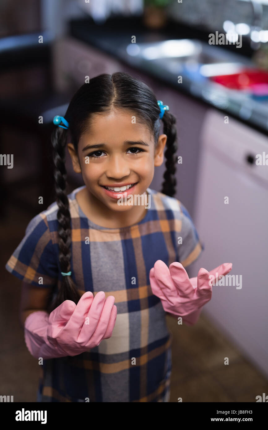 gloves Mature ladies wearing latex