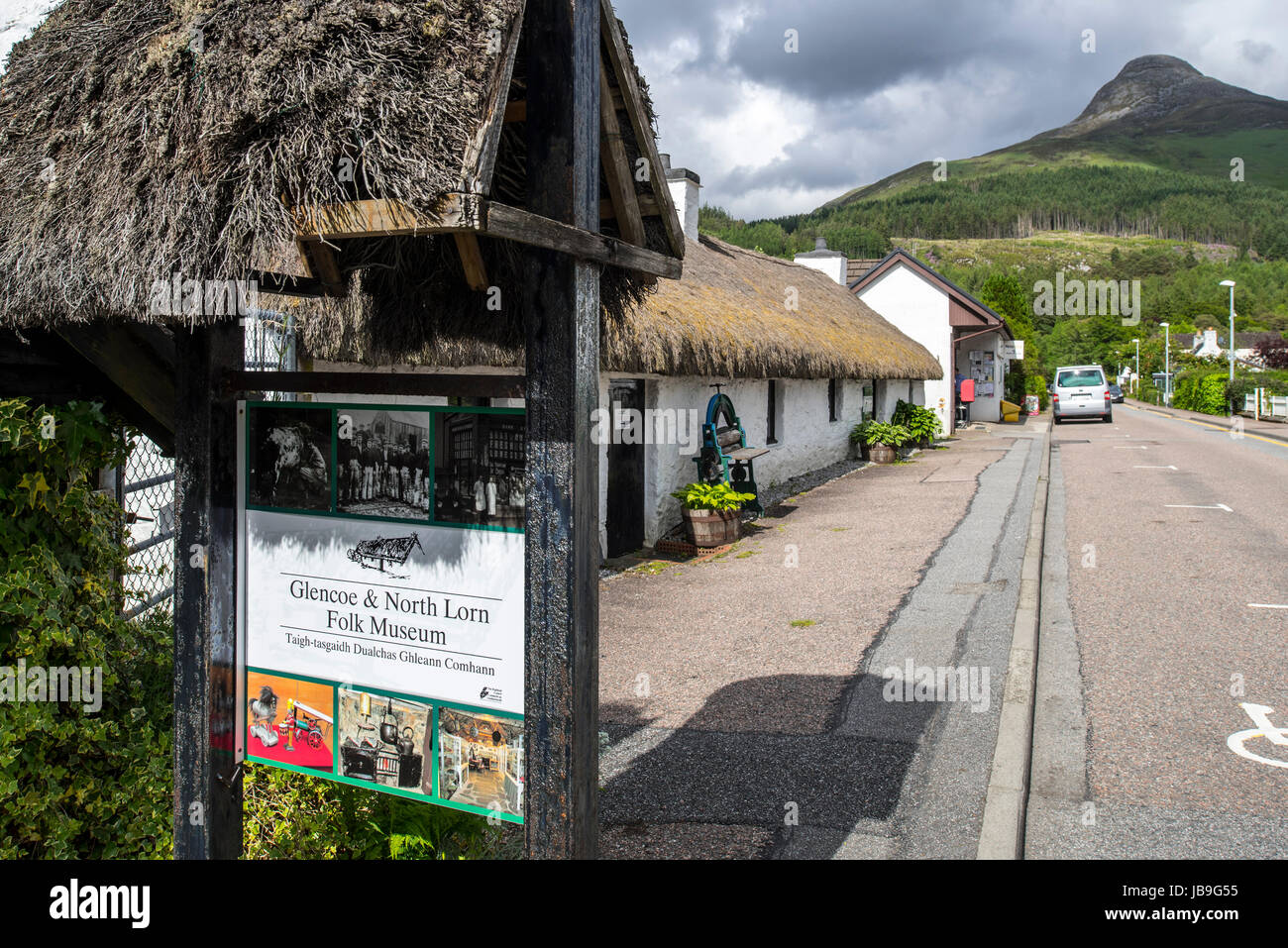 Glencoe & North Lorn Folk Museum in restored cottage with thatched roof, Lochaber, Scottish Highlands, Scotland, - Stock Image