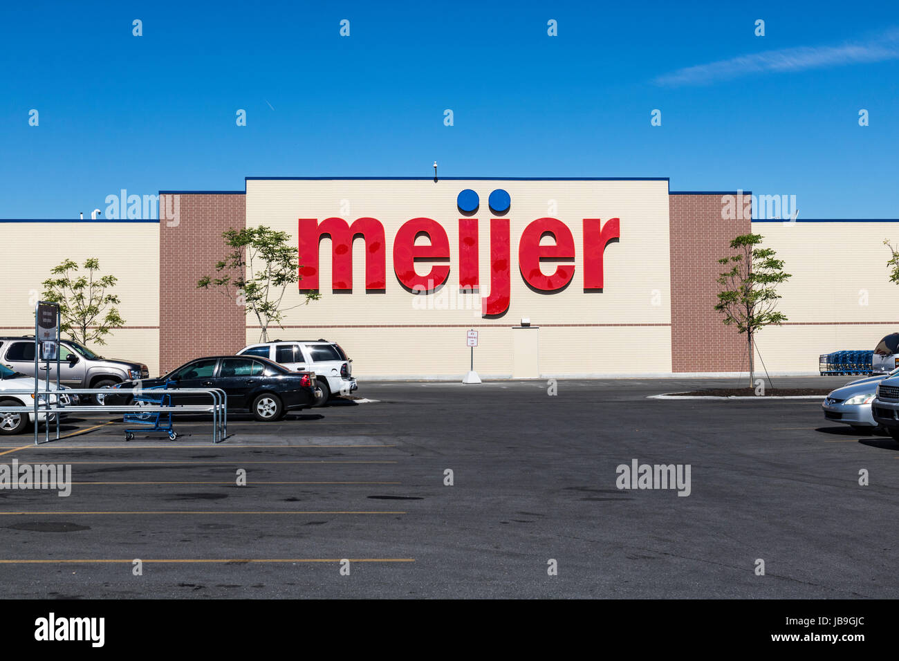 Indianapolis - Circa June 2017: Meijer Retail Location. Meijer is a large supercenter type retailer with over 200 - Stock Image