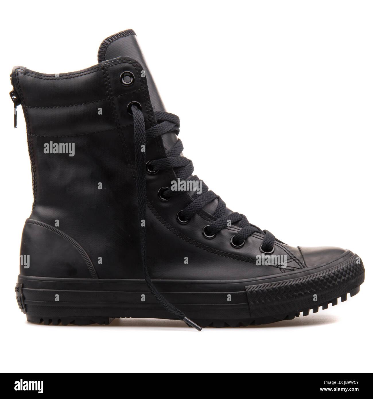 converse women hi rise boot black