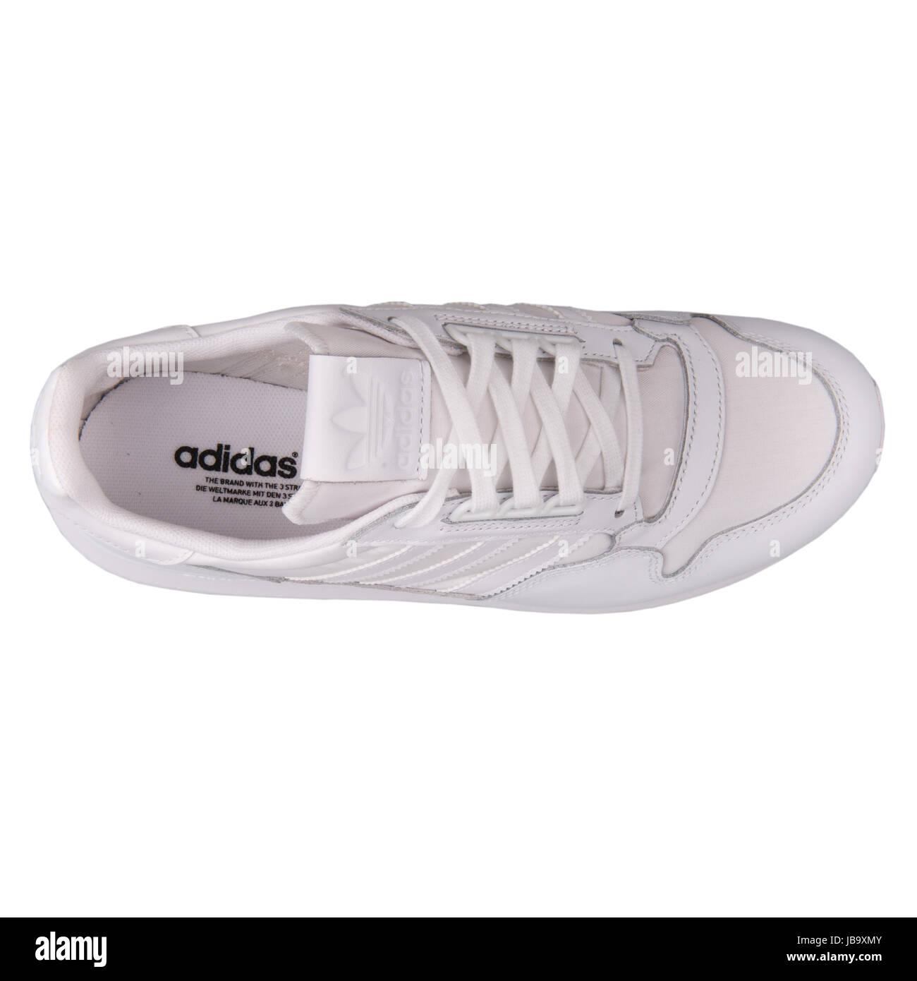 4cc45eab678 Adidas ZX 500 OG W White Women s Sports Shoes - B25600 Stock Photo ...