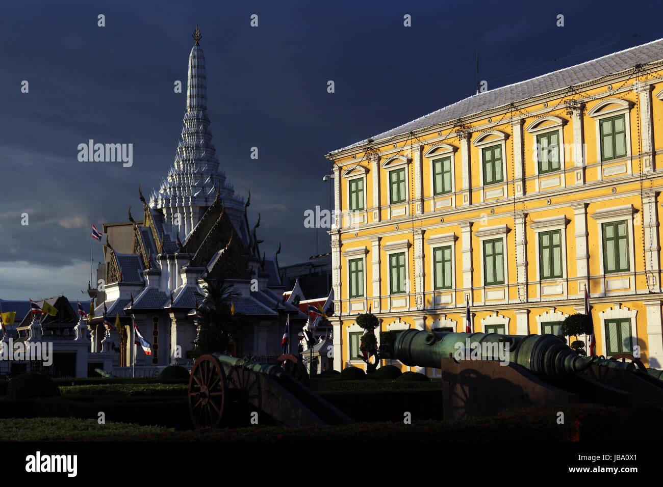 Das Gebaeude des Verteidigungs Ministerium oder Ministry of Defence im Historischen Zentrum der Hauptstadt Bangkok - Stock Image